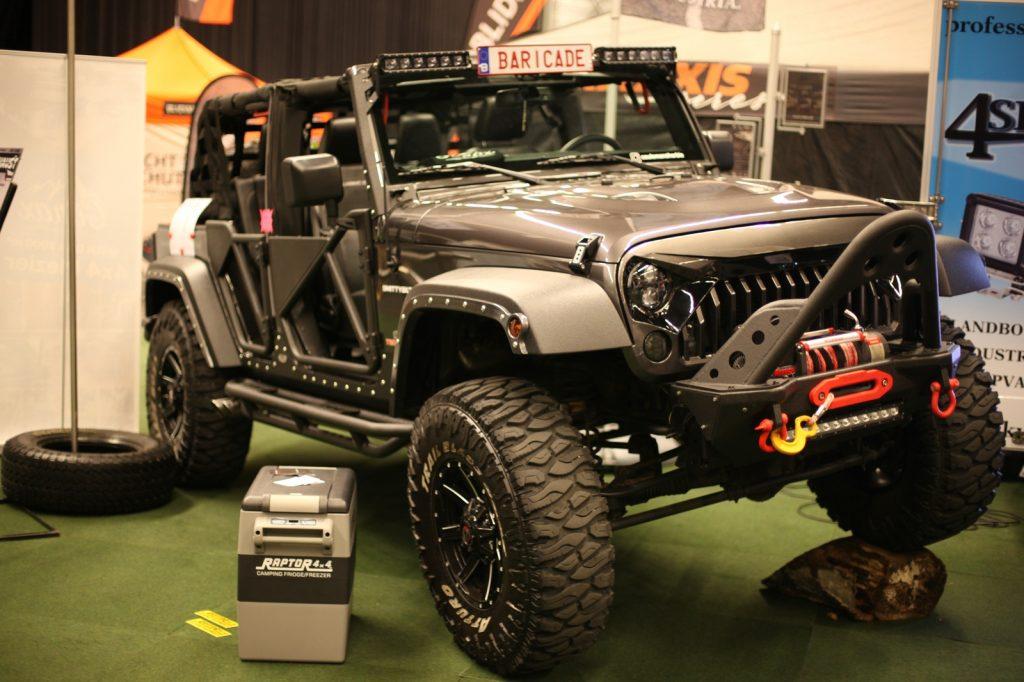 DIMA4x4 - Absoluter Hingucker: der Baricade Jeep.