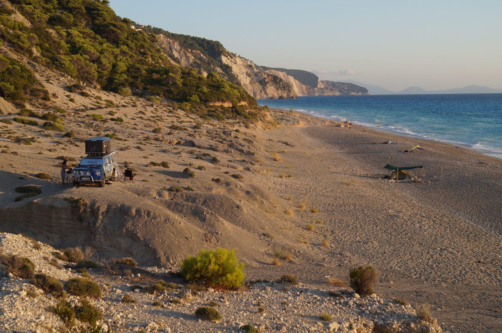 Offroad in Griechenland - Königlicher Standplatz am Gialos Beach.