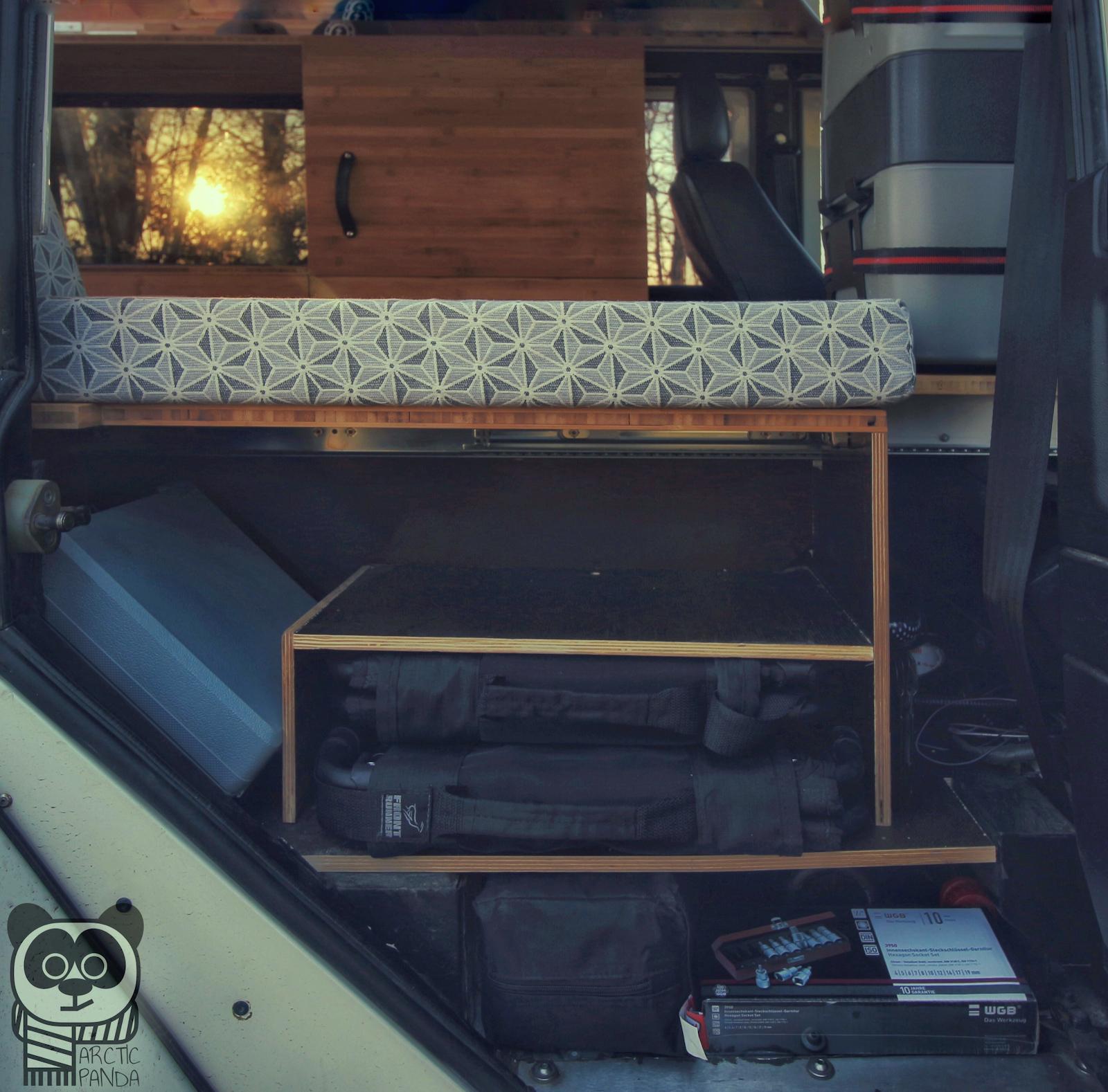 Angepasste Staufächer für Campingstühle, -tisch und Sonstiges.