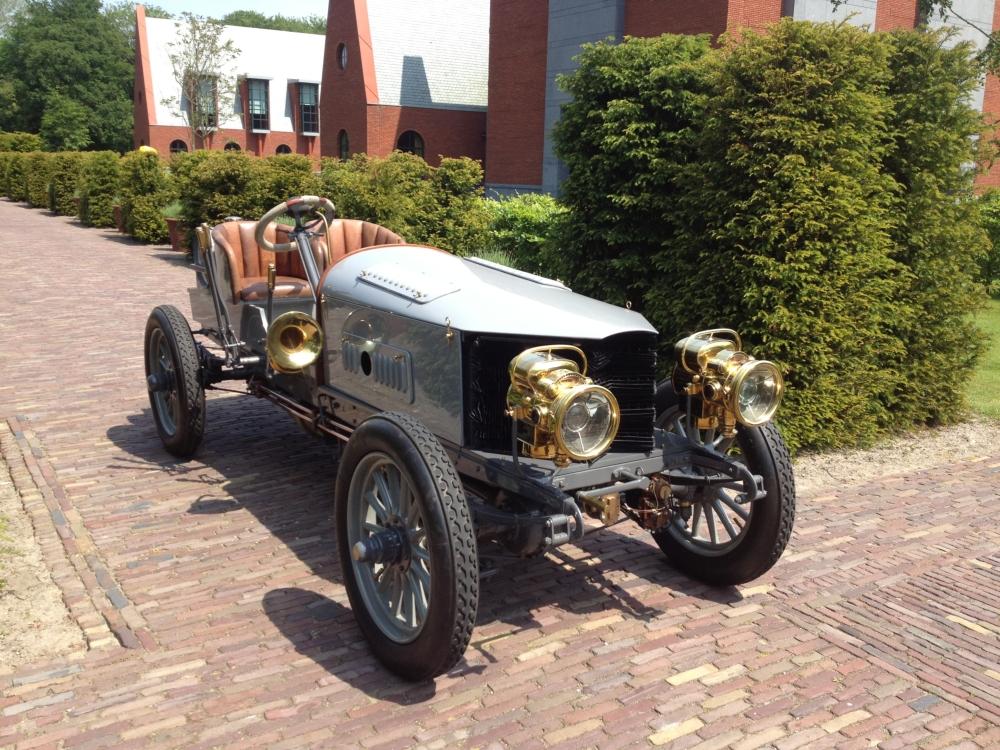 Spyker 60 H.P. - Der erste motorisierte 4x4-Wagen der Welt.