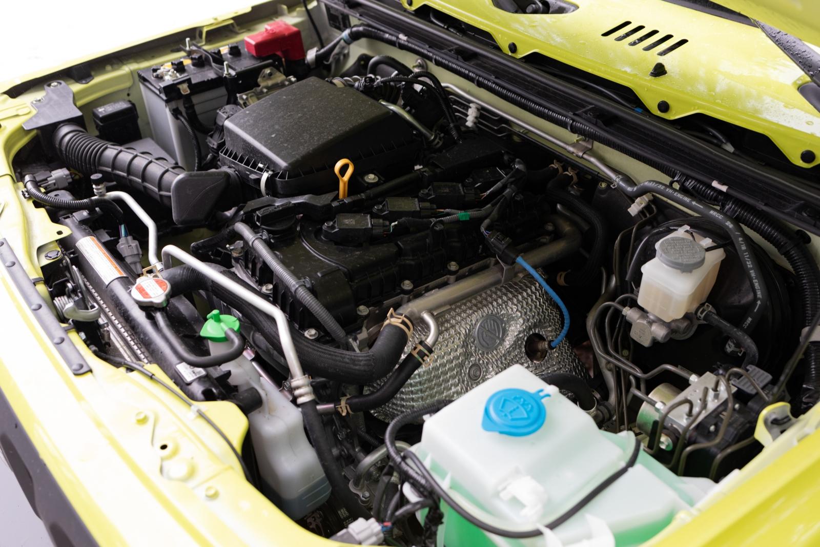 Suzuki Jimny GJ - Der 1,5 Liter Saugbenziner. Überschaubare Technik.