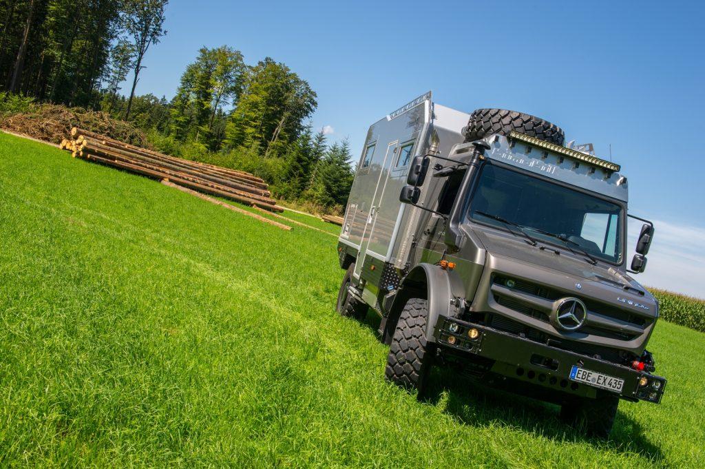 Der Unimog ist der Kraxler unter den LKWs. Damit ist er eine perfekte Basis für ein Weltreisemobil.