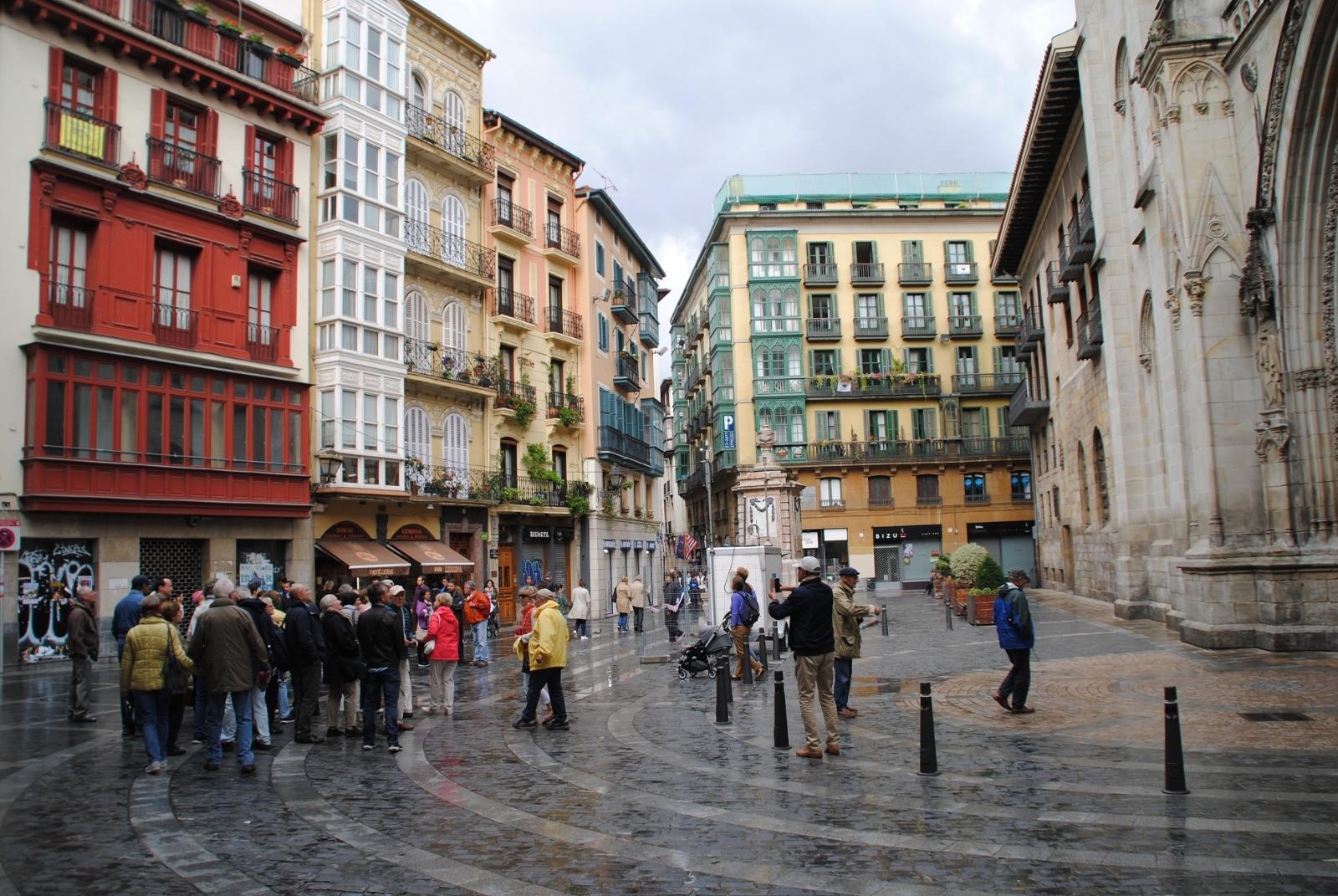 Bilbao, eine reiche und gepflegte Stadt, ein Besuch lohnt sich.