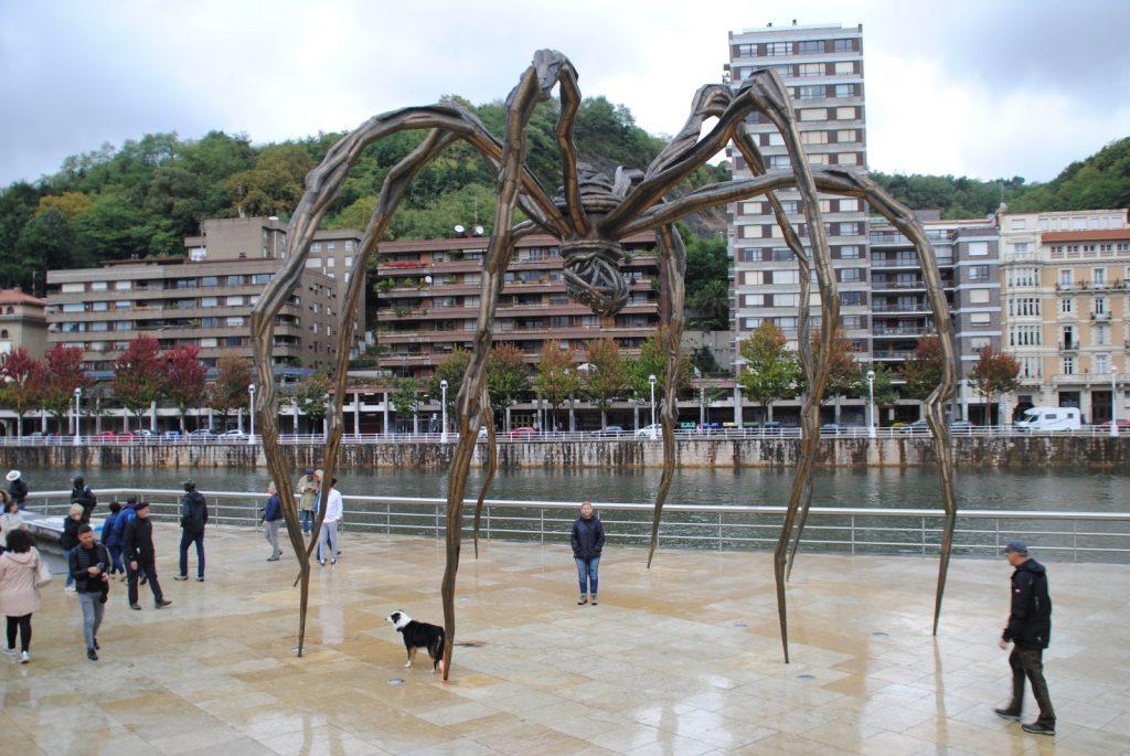 Die Spinne ist genauso ein Wahrzeichen des Museums...