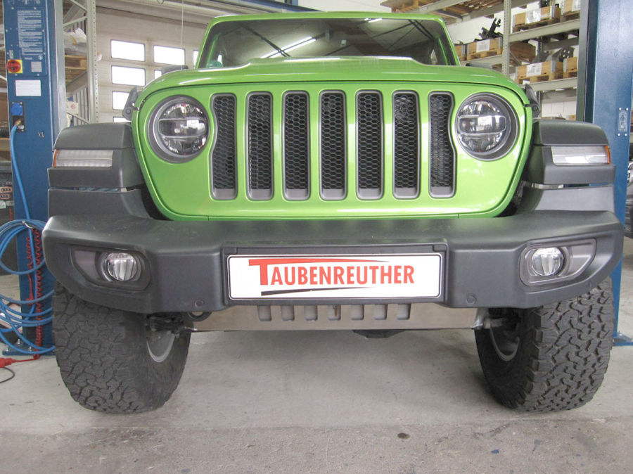 Taubenreuther Jeep Wrangler JL Unterfahrschutz Motor.