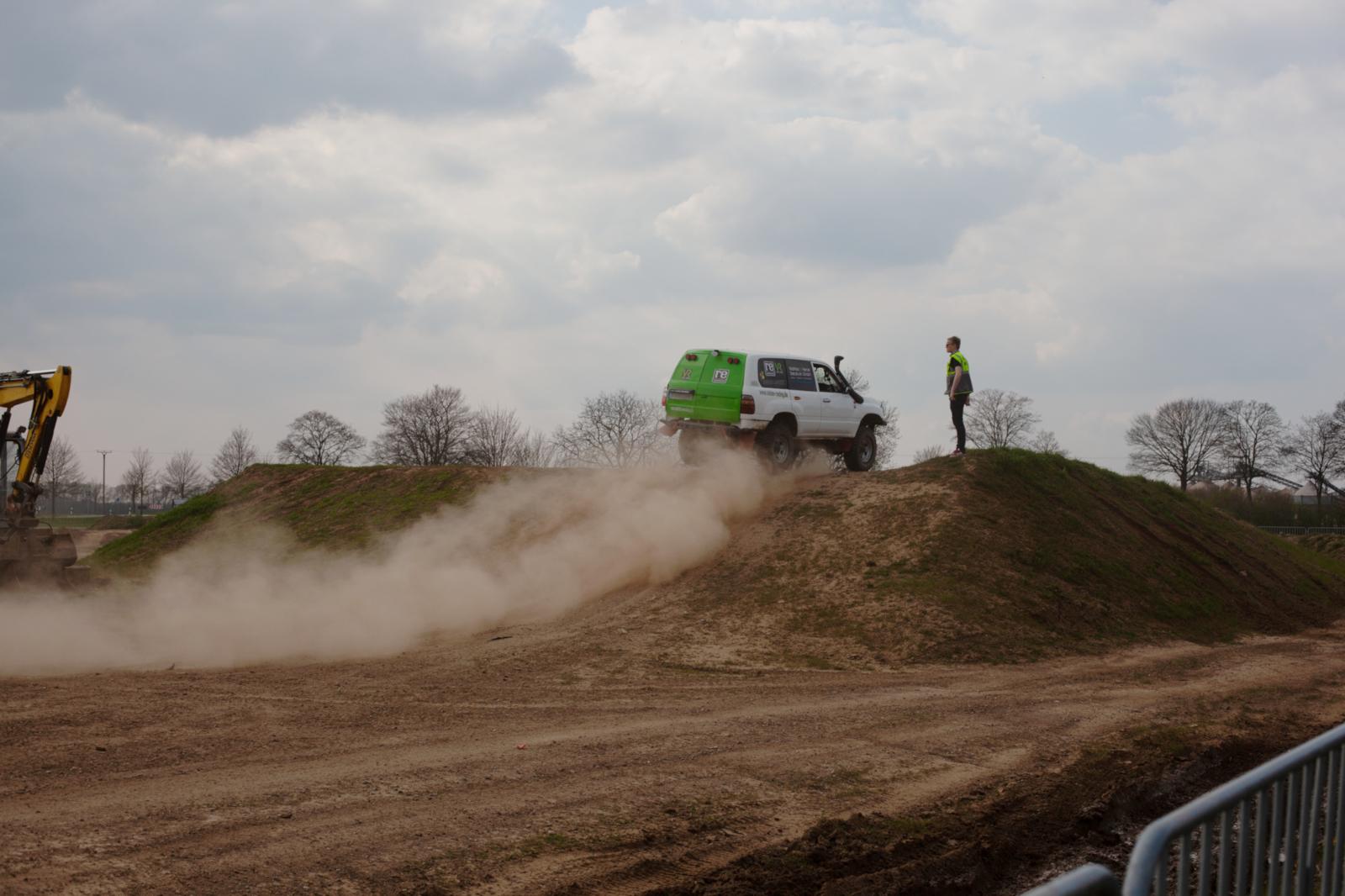 4x4-Rhein-Waal 2019 - Mit dem Rallye-Taxi auf der Action-Arena.