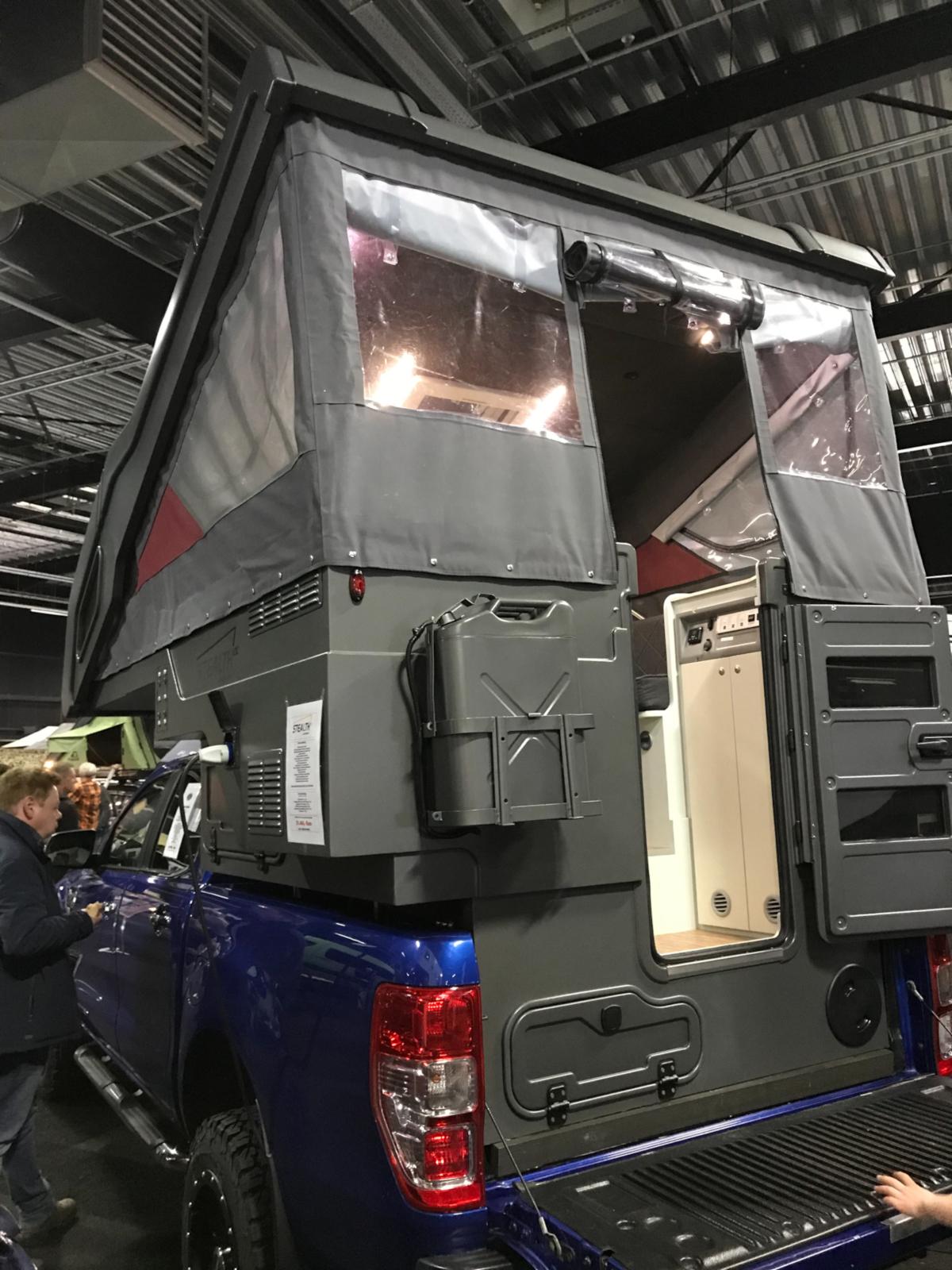 4x4-Rhein-Waal 2019 - Das Dach hochgefahren - Camp-Crown Absetzkabine.