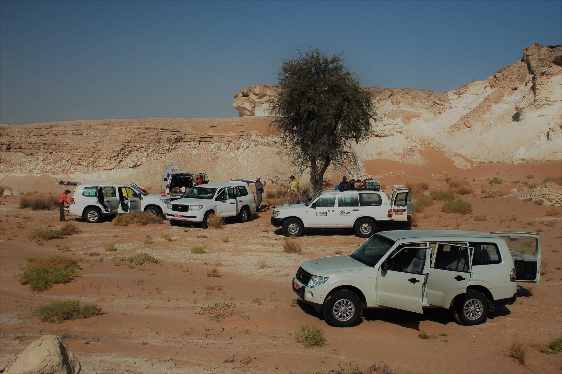 Oman - Der Platz ist malerisch nur Schatten gibt es nirgends