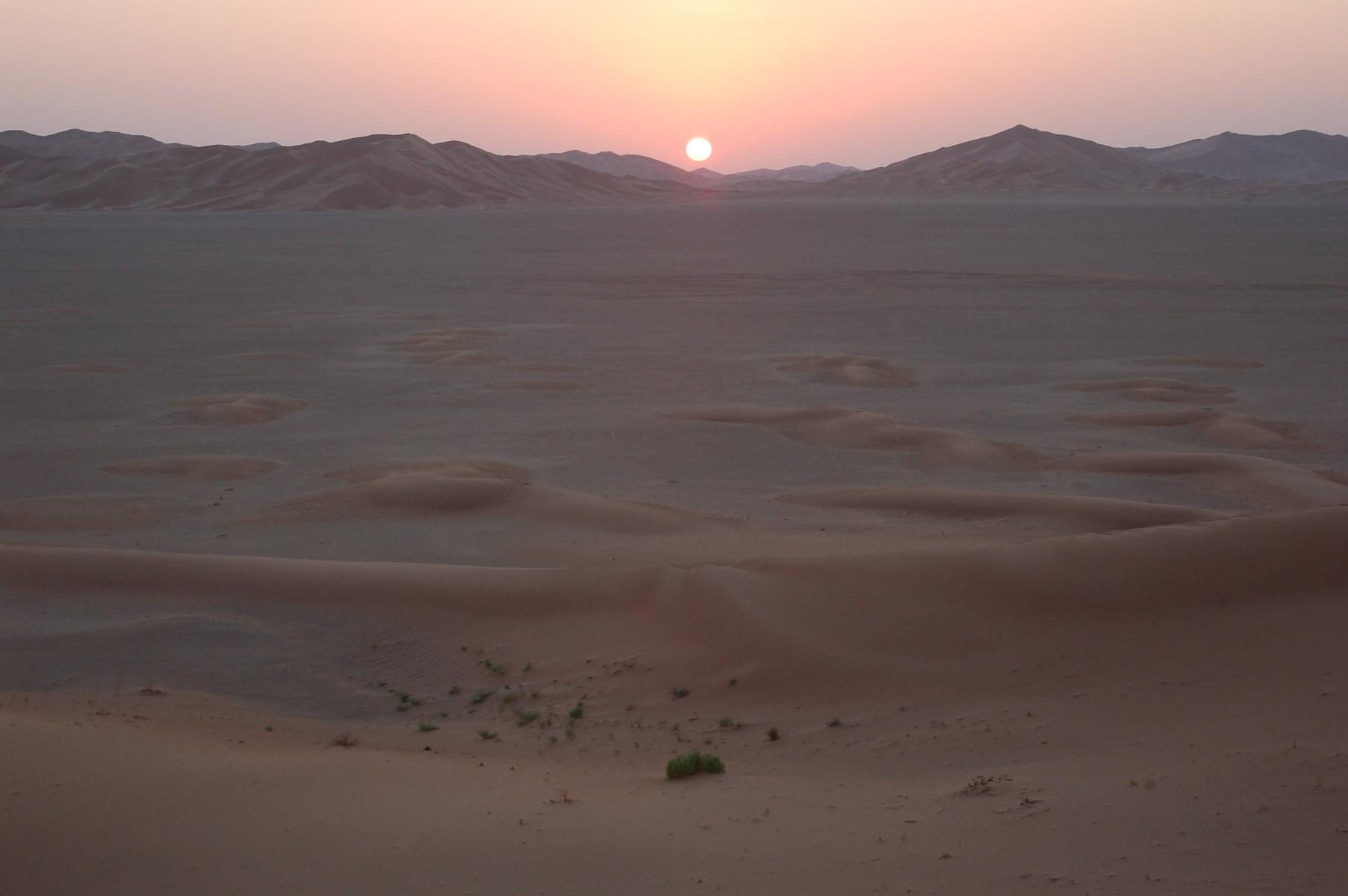 Oman - Sonnenuntergang, die Schönheit der Wüsten ist unbeschreiblich.