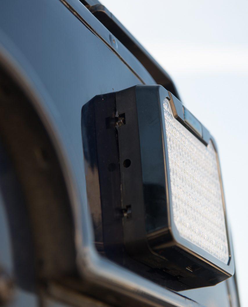 Offroad-Beleuchtung - Ultraflacher Rückfahr- und Arbeitsscheinwerfer NCC AR116.