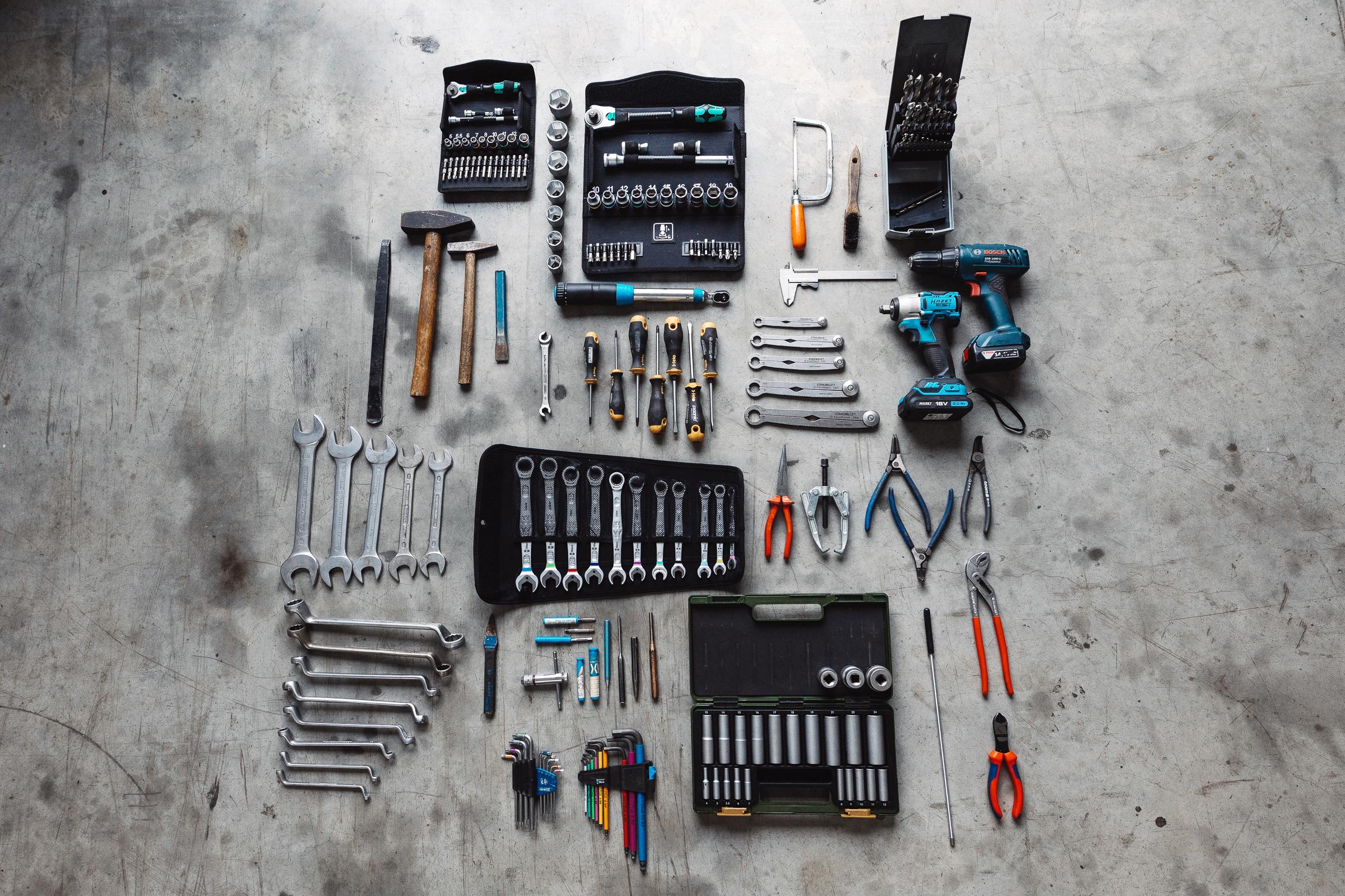 Sinnvolles Werkzeug auf Reisen - Ein gut sortierter Werkzeugsatz für die lange Reise.