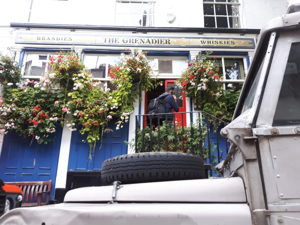 Grenadier - Der altehrwürdige Pub in London, wo schon die First Overland Expedition startete.