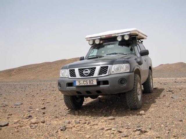 Nissan Patrol für Offroad-Reise mieten