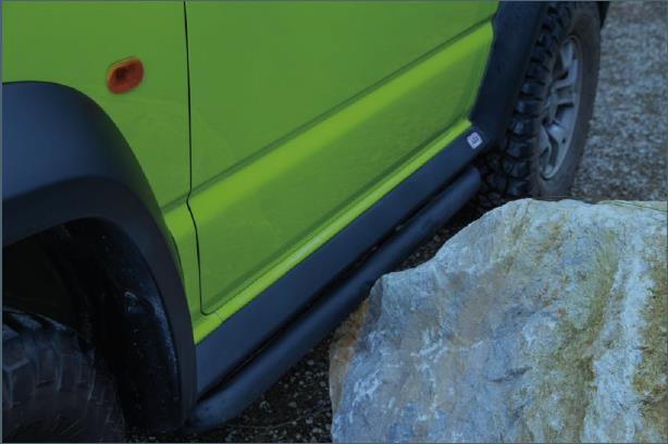 Suzuki Jimny GJ Rockslider von ARB - Schutz durch Rockslider.