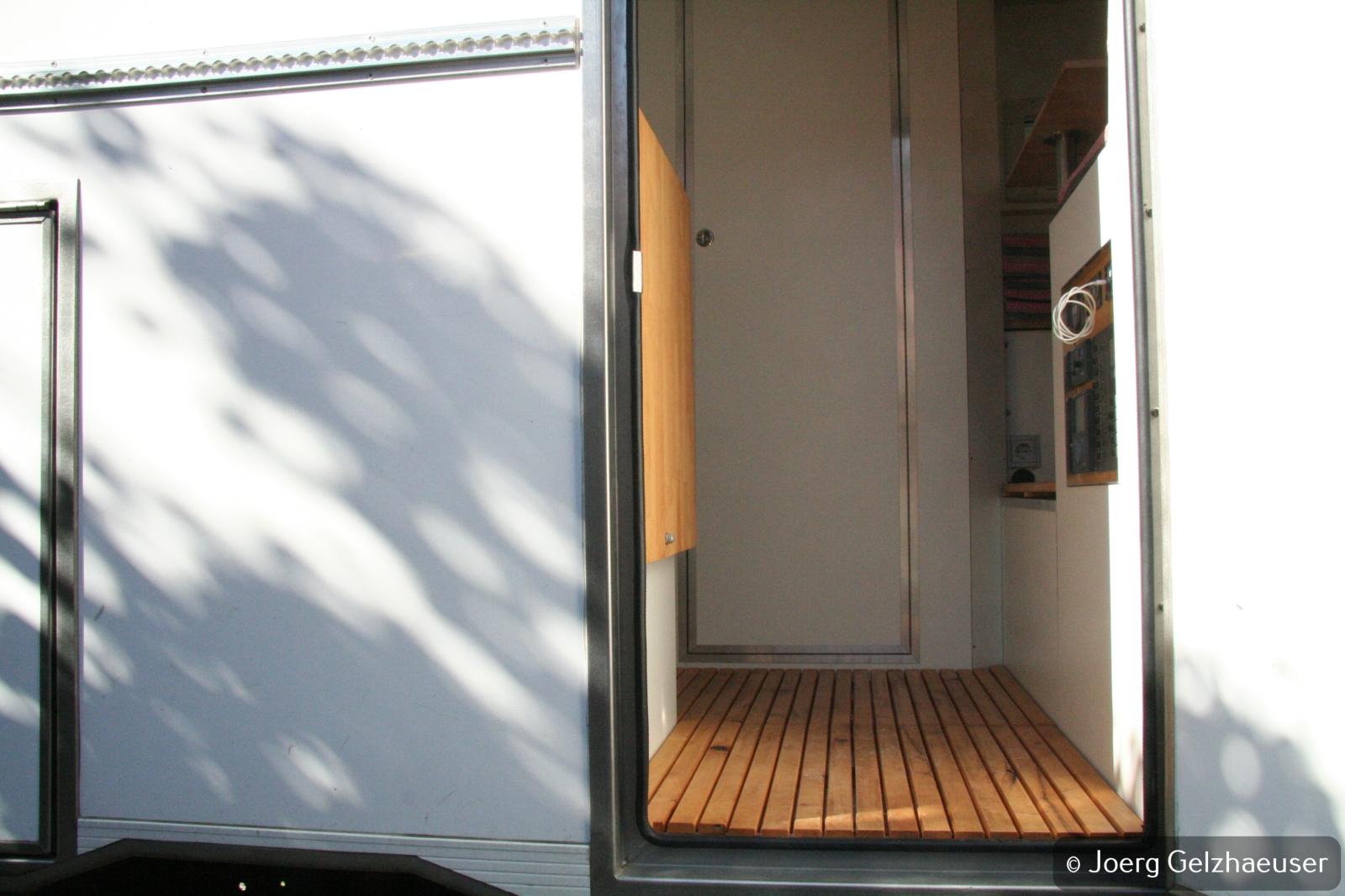 Unimog - Das universelle Motor-(Fernreise)-Gerät - Boden fertiggestellt.