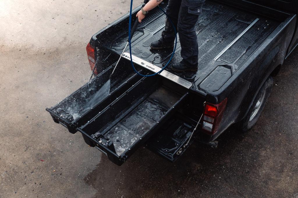 Taubenreuther Decked Schubladen - Gut zu reinigen - Wasser kann dem Decked Schubladensystem nichts anhaben.