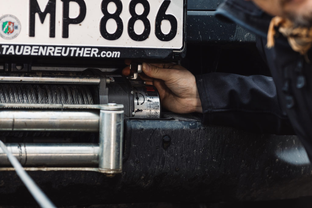 Warn M8000 am Isuzu D-MAX - Gut erreichbar, trotz integrierter Montage.