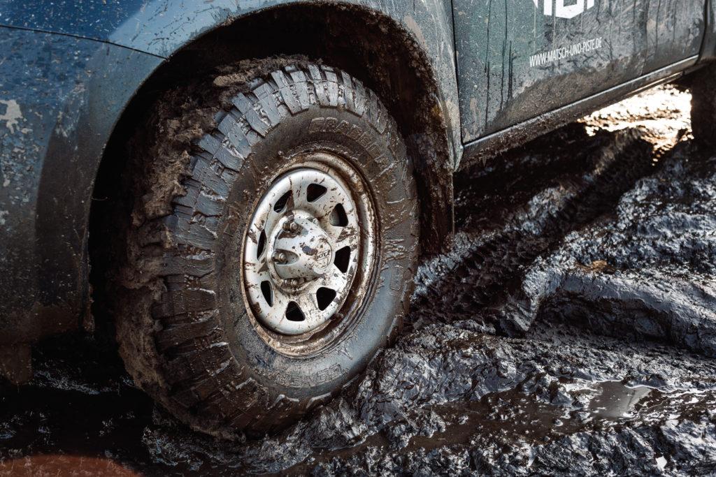 Isuzu D-Max - Gute Kombination: Der General Grabber X3 MT mit den Dotz Dakar Offroad-Felgen.