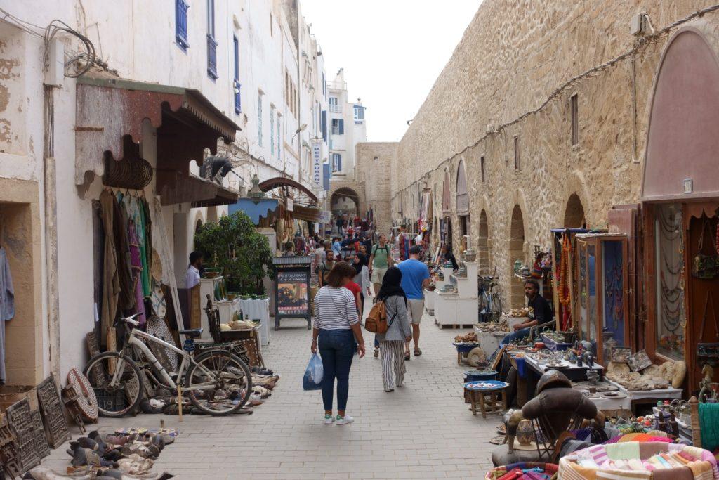 Toyota Land Cruiser in Marokko - Essaouira ist zwar im Wandel aber noch nicht so touristisch wie Marrakesch.