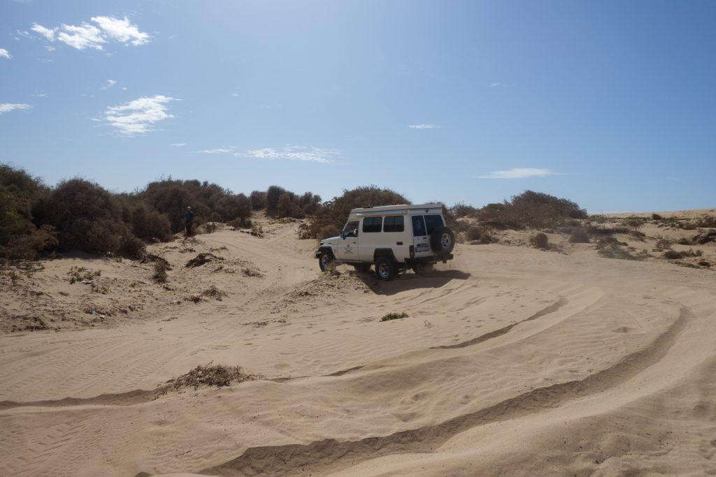 Toyota Land Cruiser in Marokko - Das war keine gute Idee und wir sind froh als wir endlich wieder die Piste erreichen.
