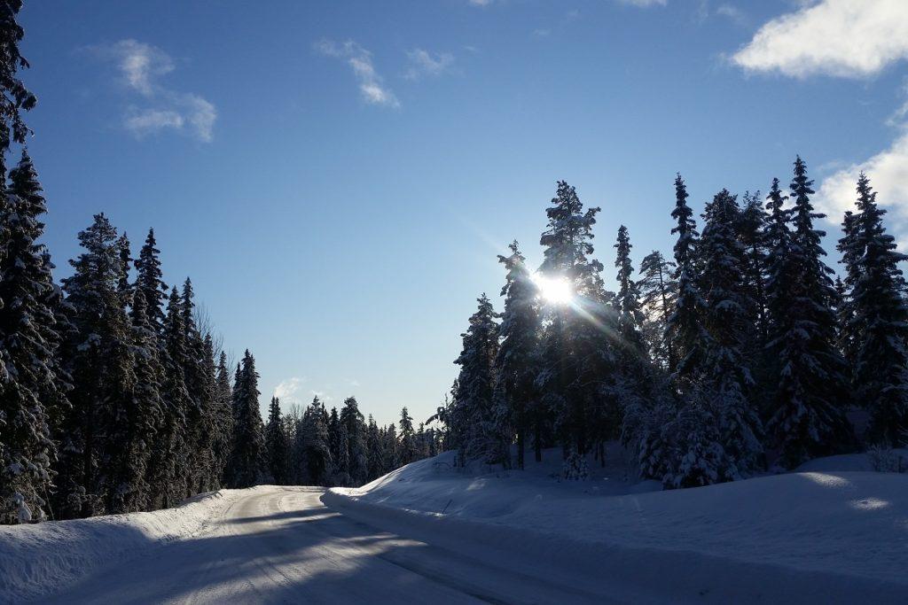 Offroad-Reisen im Winter - Einsamkeit und ein fantastischer Blick auf die Natur.