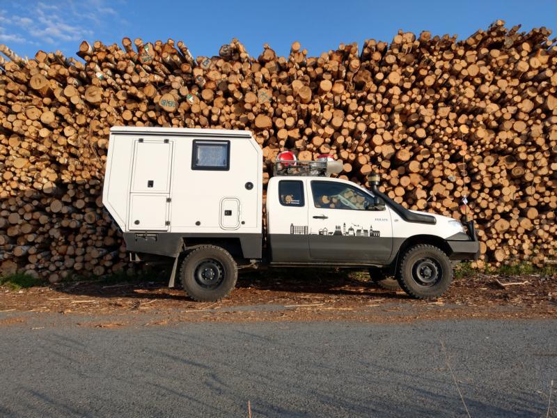 Umbau eines Toyota Hilux mit Kabine - Das Gesamtpaket ist fertig.