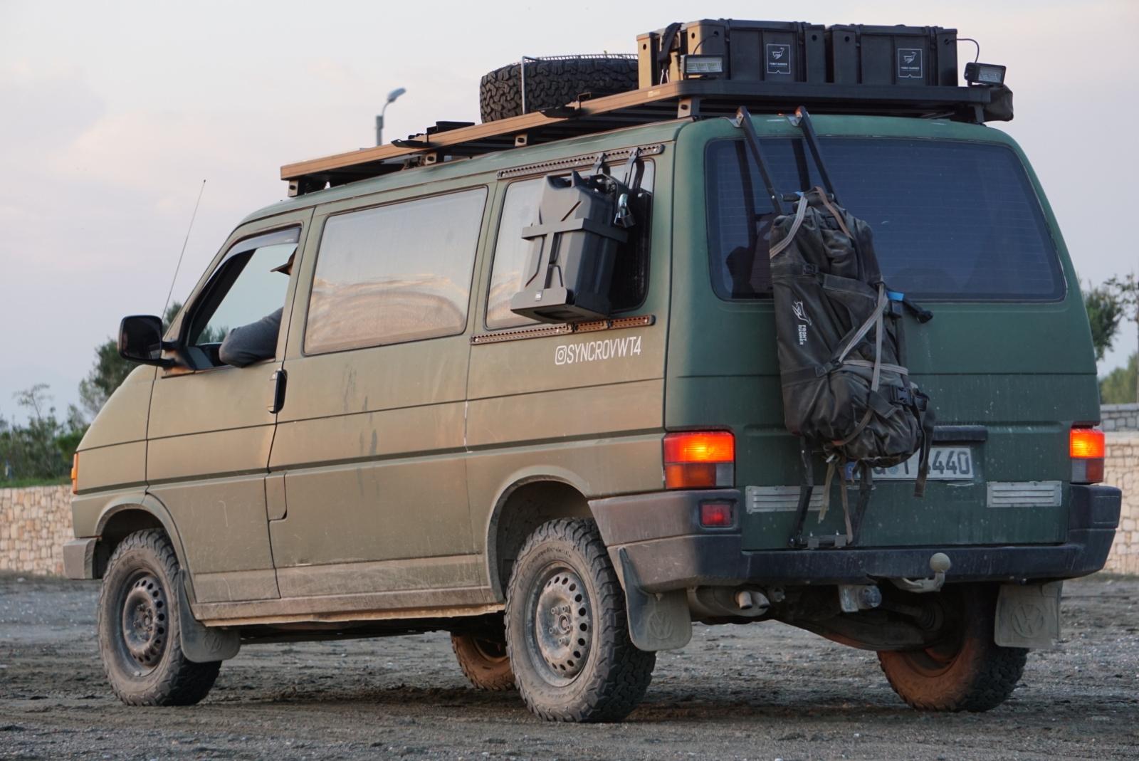 Das VW Bus T4 Syncro Reisemobil von Christione und Lukas.