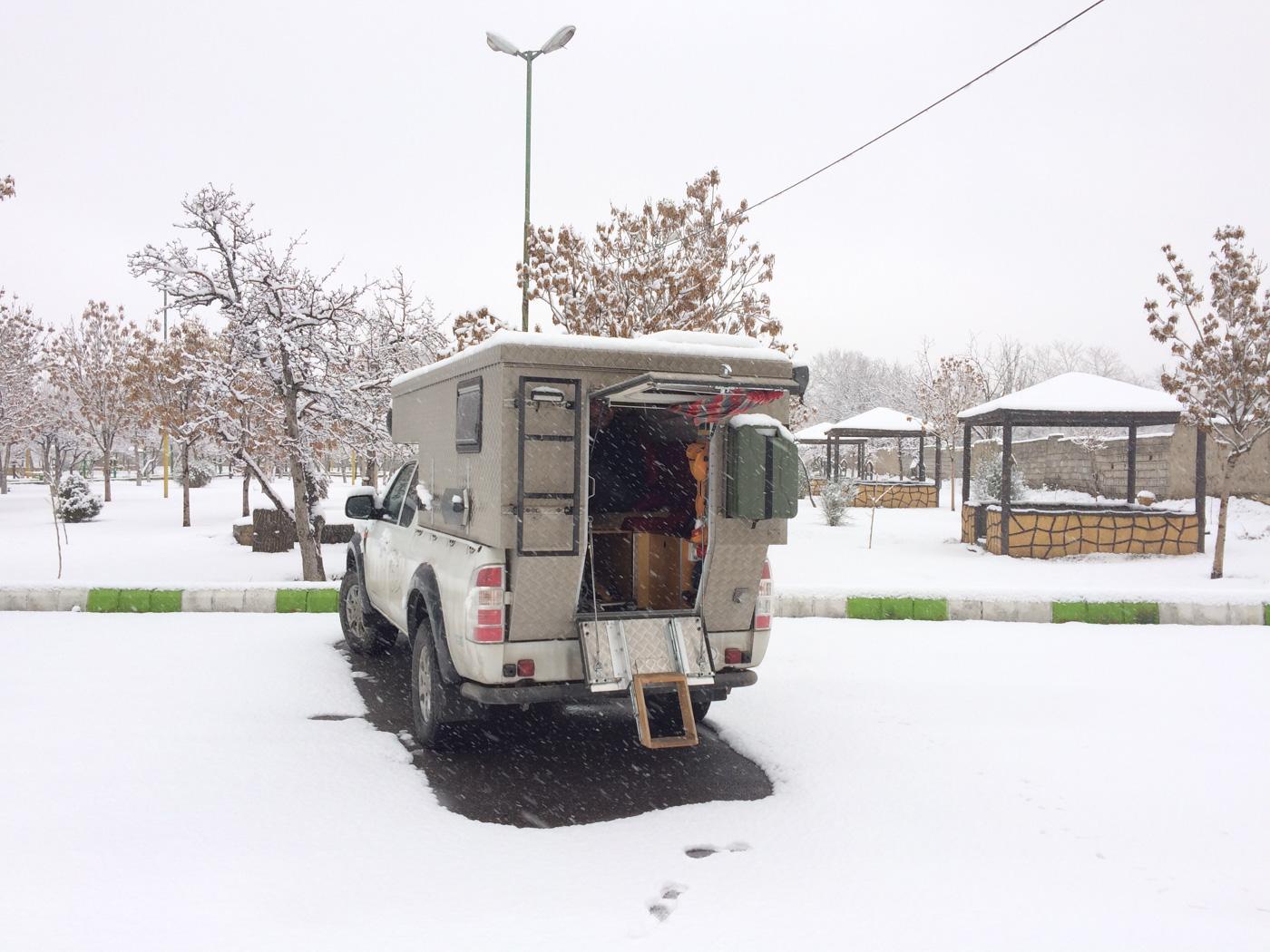 (1) Täbris, Übernachtungsplatz im Schnee