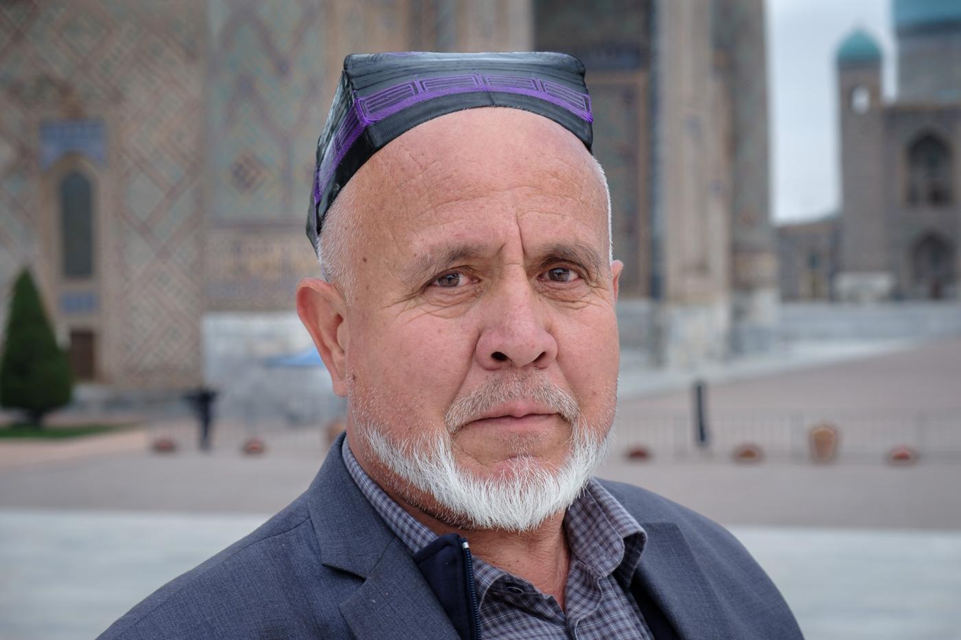 Usbeke mit traditioneller Kopfbedeckung, Duppi oder Tjubetejka genannt.