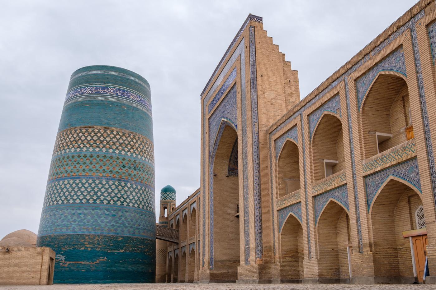 Usbekistan, Zentrum der Seidenstraße - Das Kalta Minor Minarett in Chiwa.