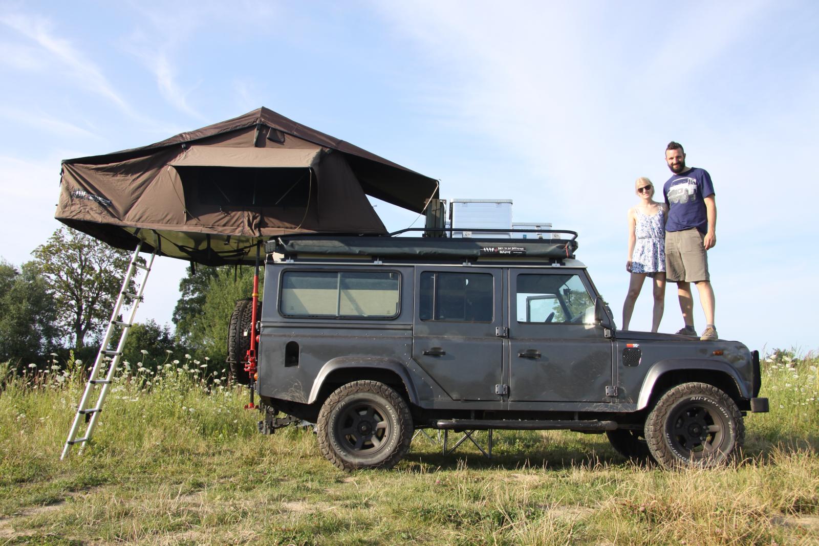 Defender Explore the North - Pia&Tobi auf ihrem rollenden Reisemobil.