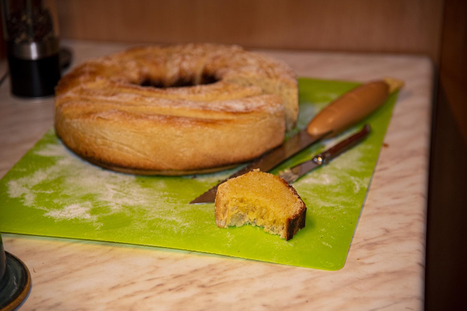 Das noch warme Brot mit frischer Butter bestrichen ist ein echter Genuss.