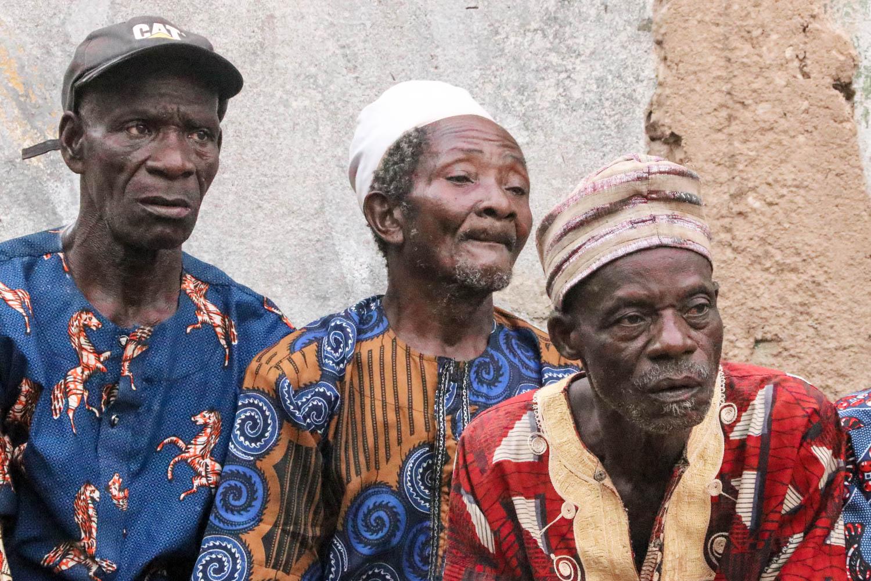 Zuschauer bei einer Voodoo-Zeremonie in Ouidah.