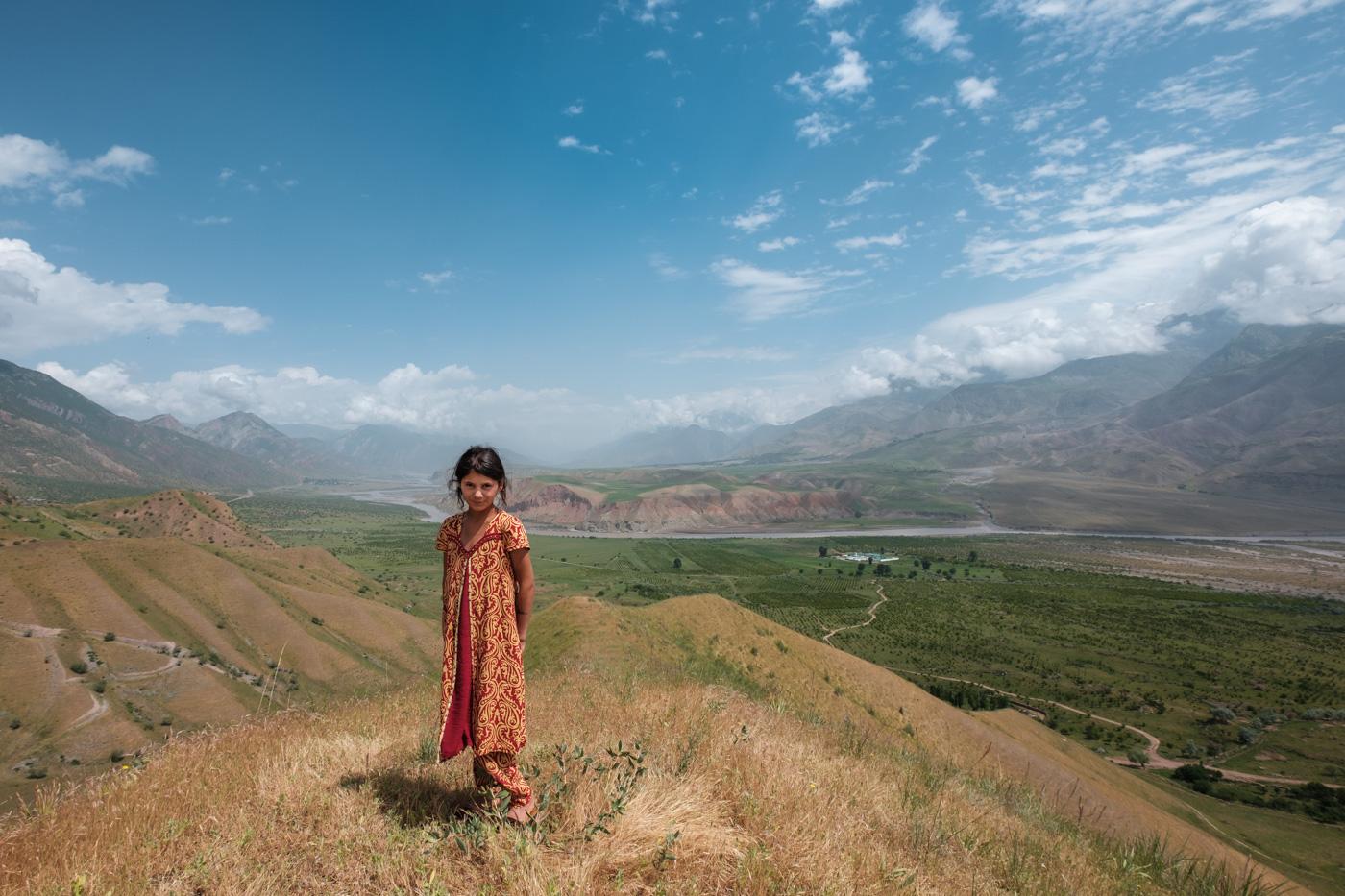 Tadschikisches Mädchen im Grenzgebiet zu Afghanistan.