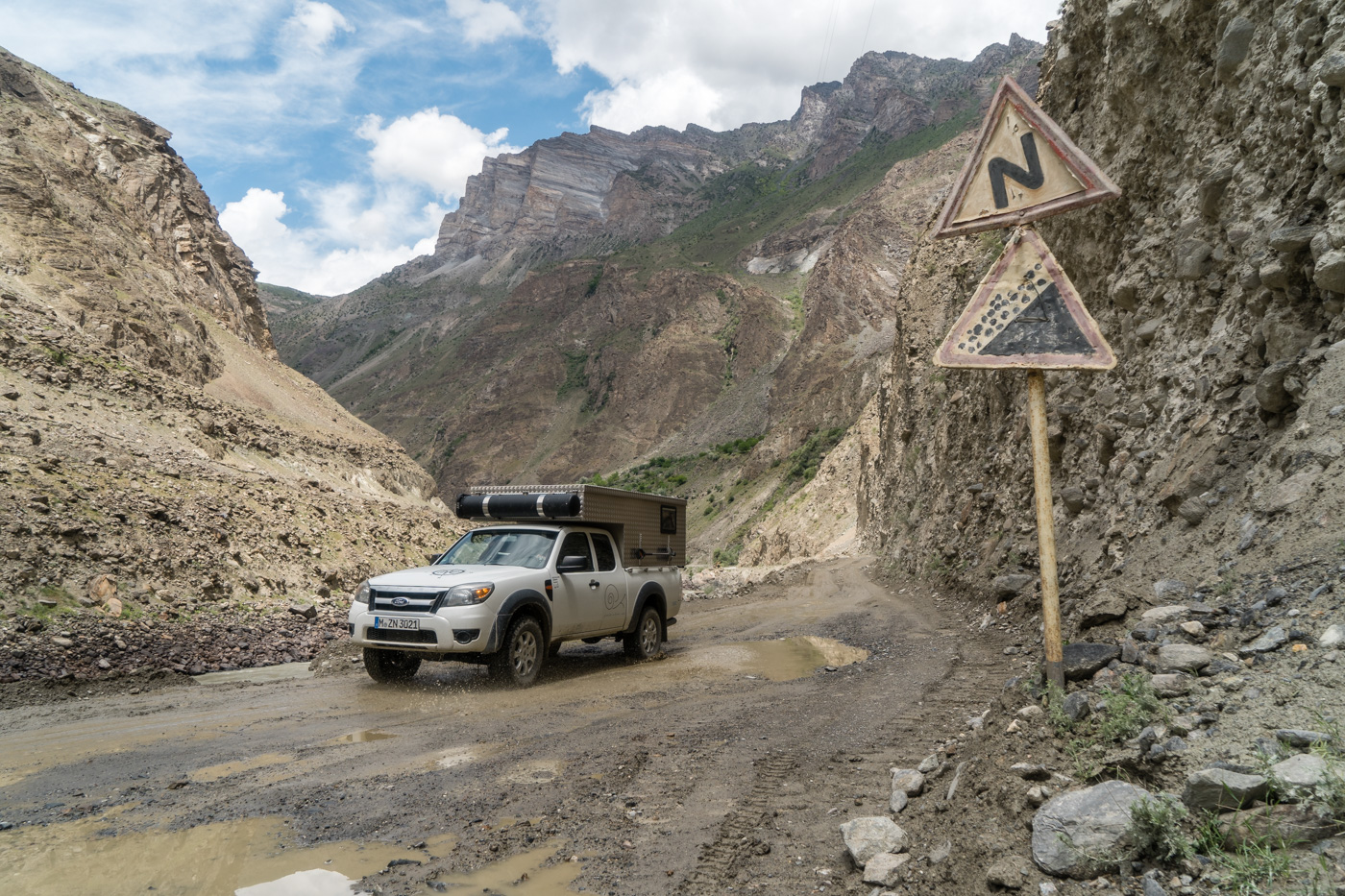 Abenteuer Pamir Highway - Der Streckenabschnitt vor Kalaikhum, Foto © Roland Häberli.