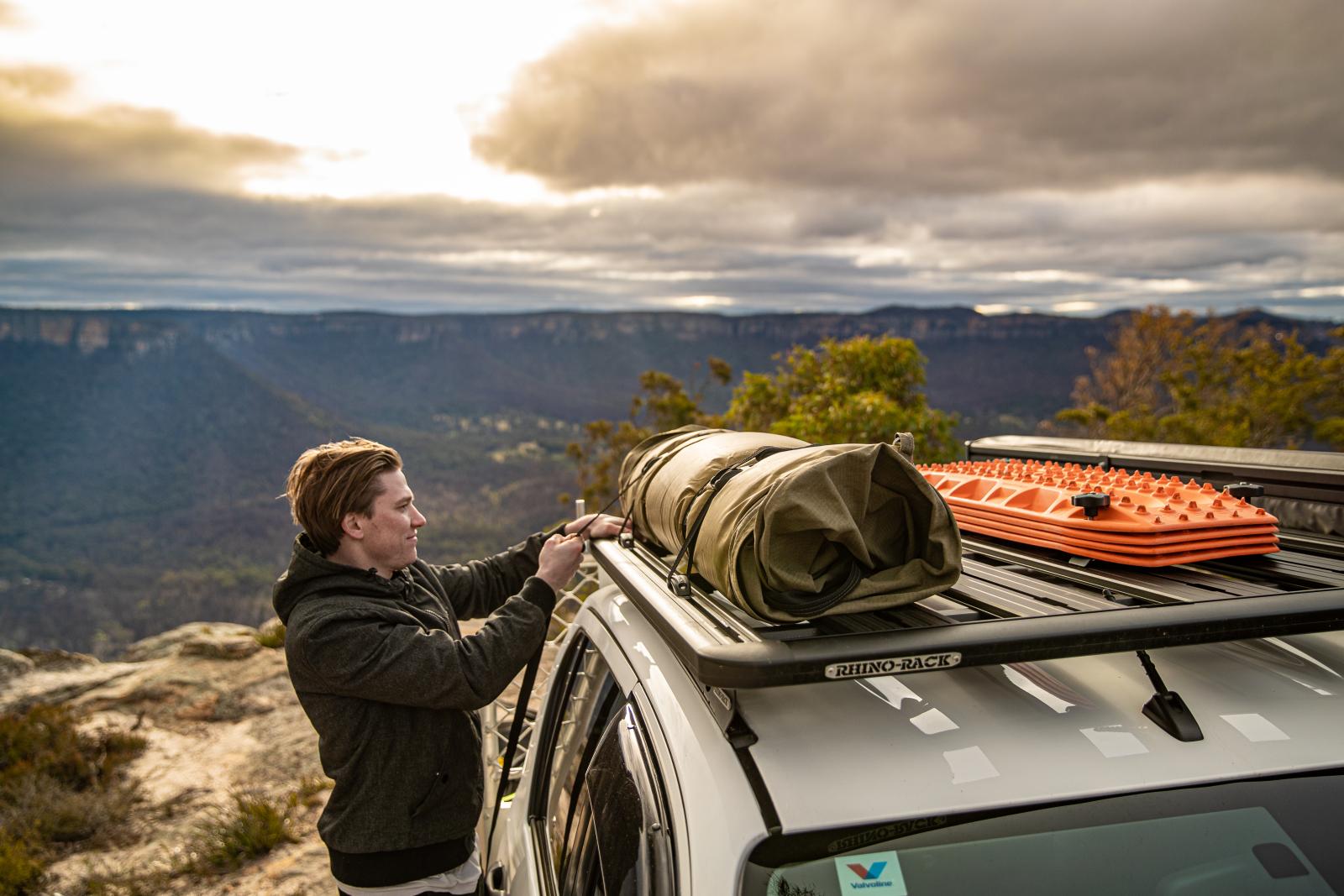 Auf zu neuen Abenteuern, mit der zuverlässigen Pioneer Plattfrom NG von Rhino-Rack.