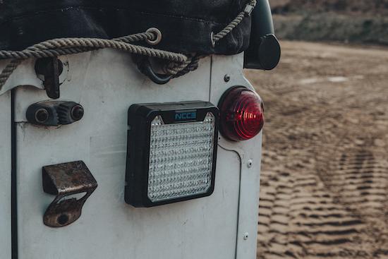 Gerade im Gelände muss auch für gutes Licht nach hinten gesorgt werden.