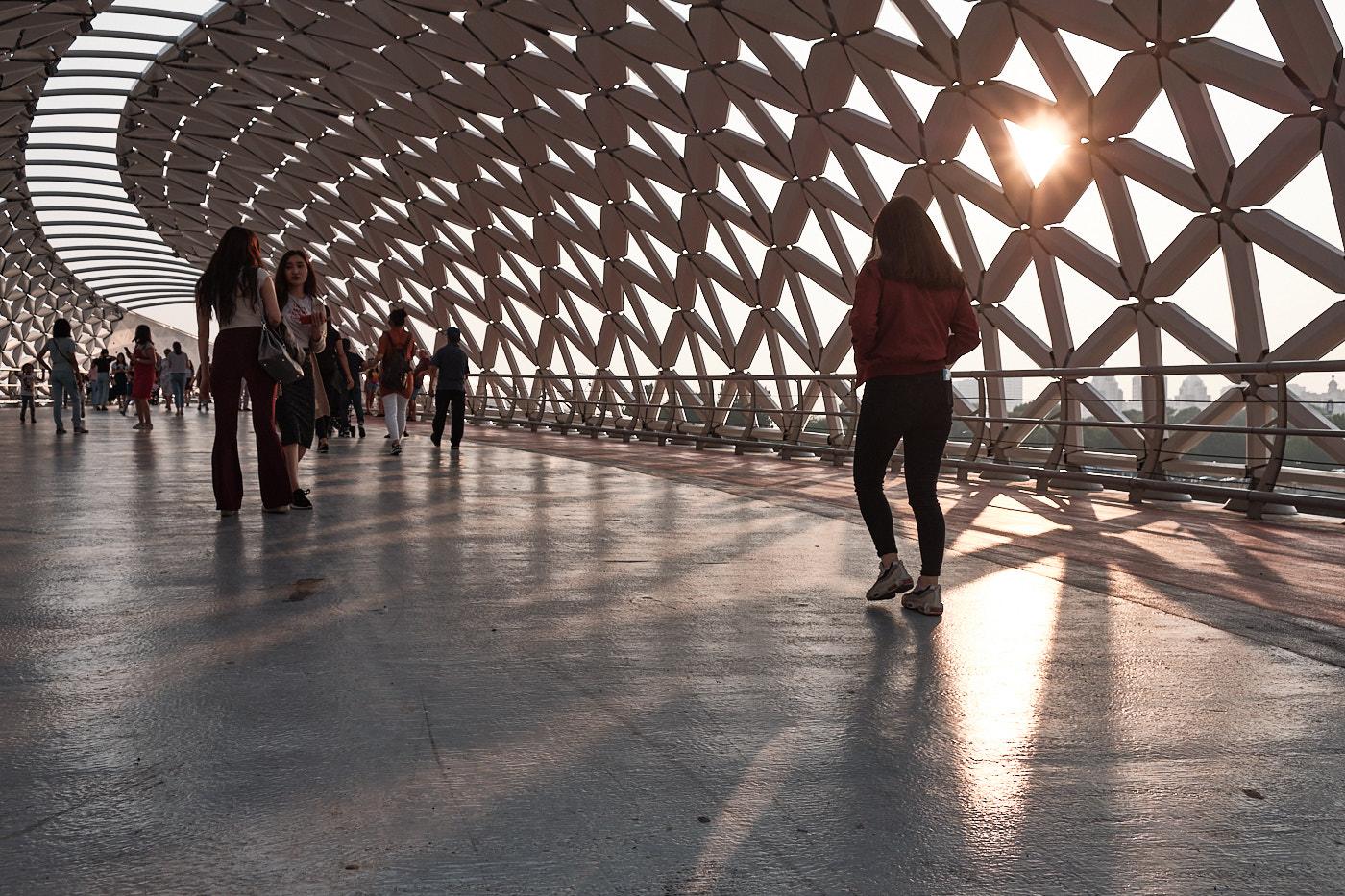 Atyrau Brücke, die neueste Fußgängerbrücke über den Ischim.
