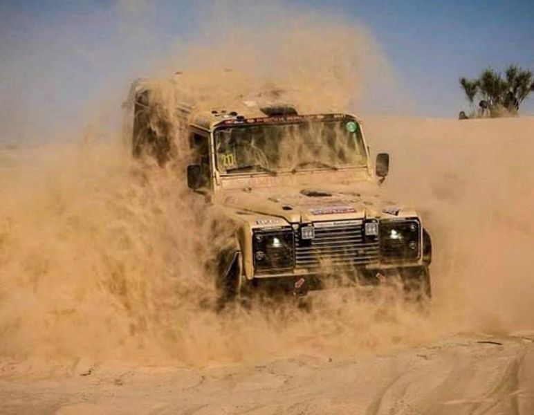 Langsamer, aber hält mit, der Dakar-Defender.