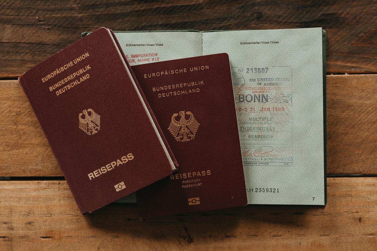 Der Plan zur langen Offroad-Reise - Wenn es geht, zwei Reisepässen mitnehmen.