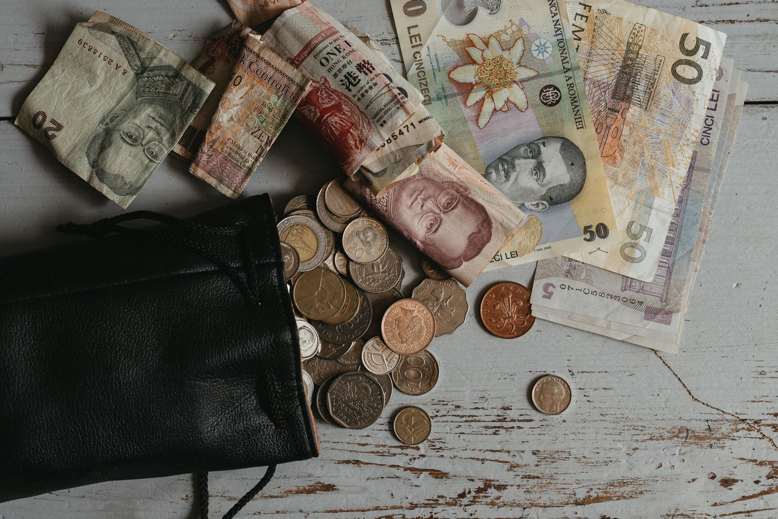 Der Plan zur langen Offroad-Reise - Besser eine verbreitete Währung in das Zielland mitnehmen und dort tauschen.
