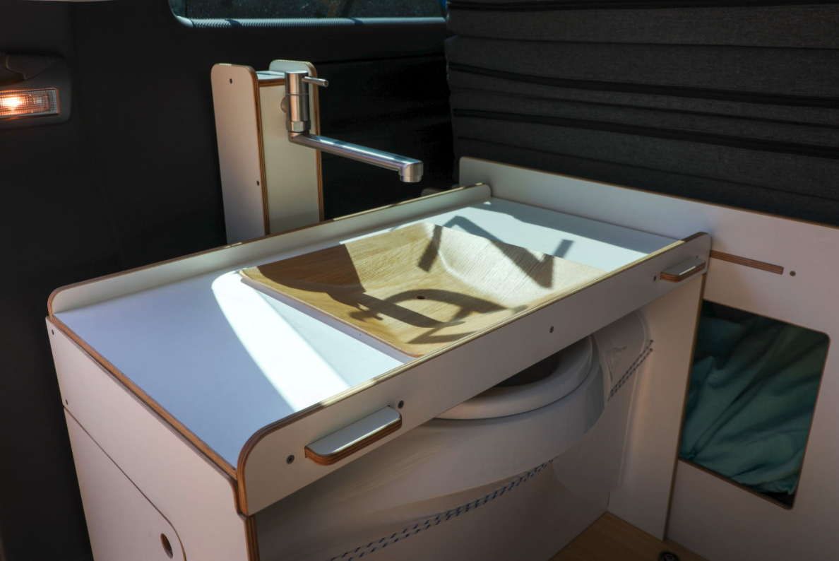 Queensize Camper Modularer Innenausbau für VW T5/T6