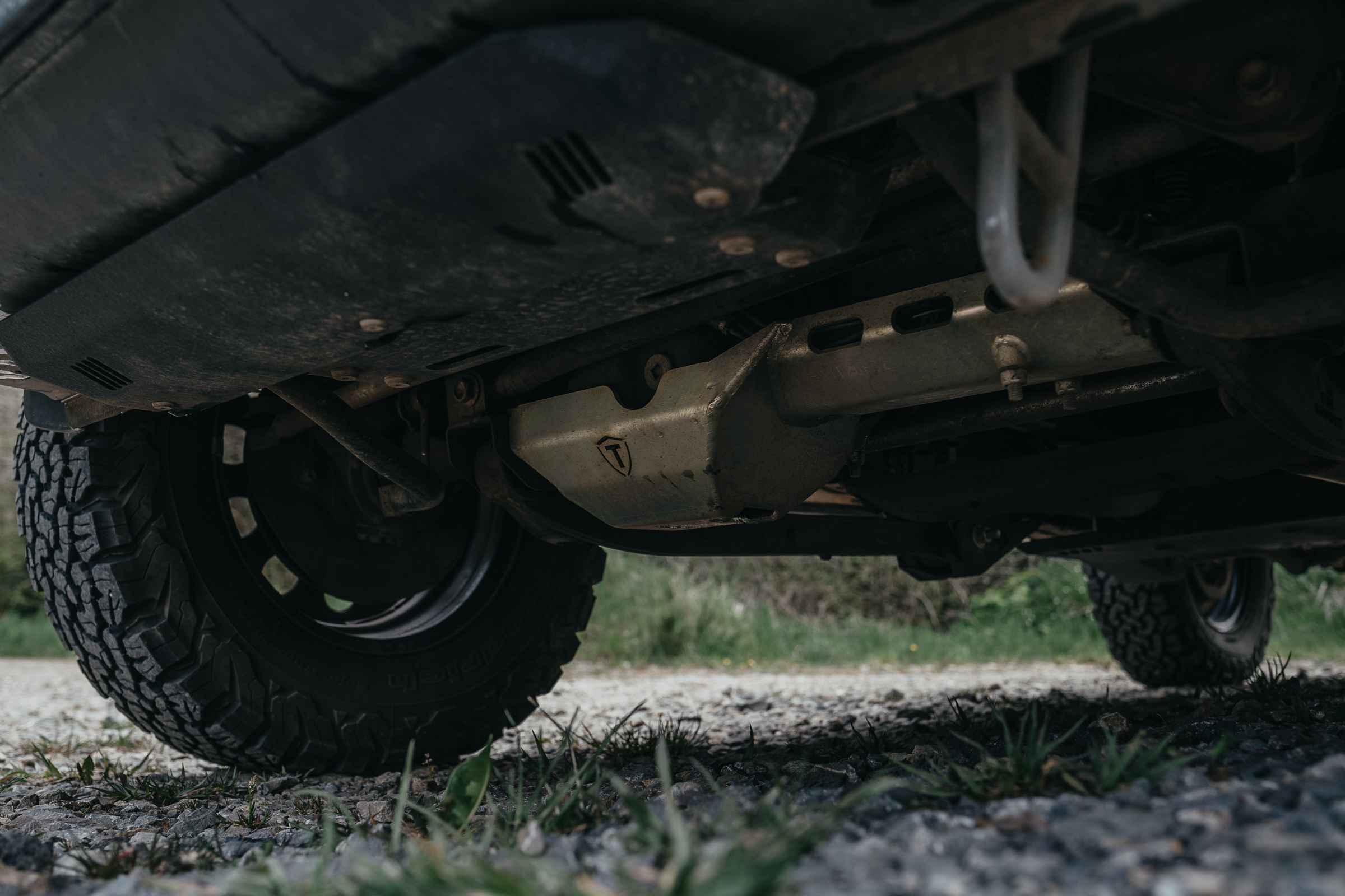 Unterfahrschutz Trekfinder für den Suzuki Jimny GJ