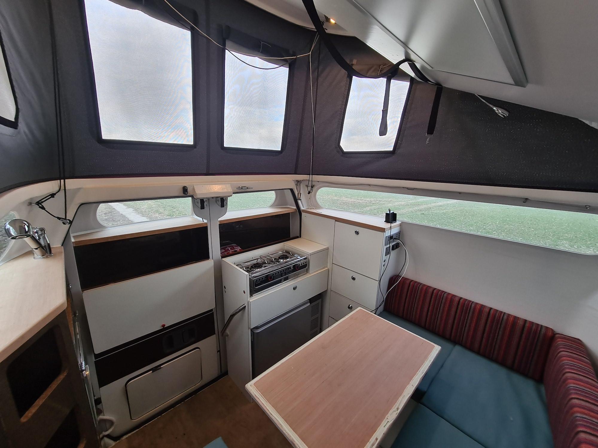 Cabineer Pick-up-Kabine mit Platz für 3 Erwachsene oder 2 Erwachsene mit 2 Kindern
